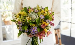 Farm-Fresh Flowers + Discounted Shipping from The Bouqs Co. (25% Off)