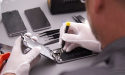 Up to 39% Off on On Location Cell Phone Repair at The Connect