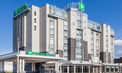 Stay with Dining Vouchers and Entertainment Tickets at Wyndham Garden Niagara Falls Fallsview, ON