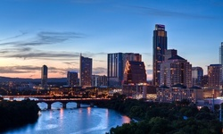Stay with Daily Parking at Hotel in Downtown Austin, TX