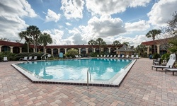Stay at Maingate Lakeside Resort in Kissimmee, FL