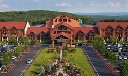 Stay with Daily Water Park Passes at Great Wolf Lodge Pocono Mountains in Scotrun, PA