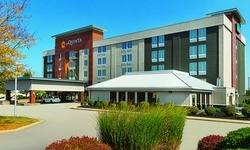 Stay at La Quinta Inn & Suites Cleveland Airport West in North Olmsted, OH