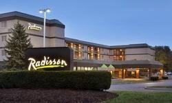 Stay at Radisson Hotel Akron/Fairlawn in Ohio