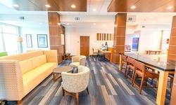 Stay at Houston Hotel near George Bush Intercontinental Airport