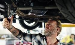Up to 67% Off on Car & Automotive Brake Fluid Flush at Discount Kar Kare