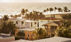 Stay at Ocean Drive Villas in Hollywood, FL