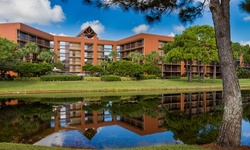Stay with Shuttle at Hotel near Orlando Theme Parks in Orlando, FL