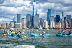 NYC 1-Hour Skyline Kayaking Adventure