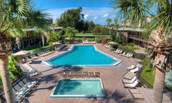 Stay at Rosen Inn International in Orlando, FL