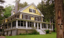 Stay at Brookview Manor Inn in Canadensis, PA
