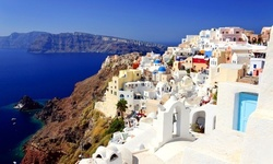 Flights To Europe From $444 With Expedia Coupons