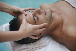 Up to 45% Off on Men's Facial at Above All Brows