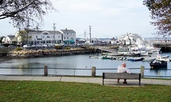Stay at Hotel 1620 Plymouth Harbor, MA